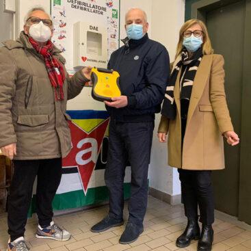 L'associazione ha donato oggi al Circolo Arci Bocciodromo di Cecina un defibrillatore,anche in questo periodo di pandemia continuiamo la nostra opera per rendere Cecina sempre di più zona cardioprotetta.